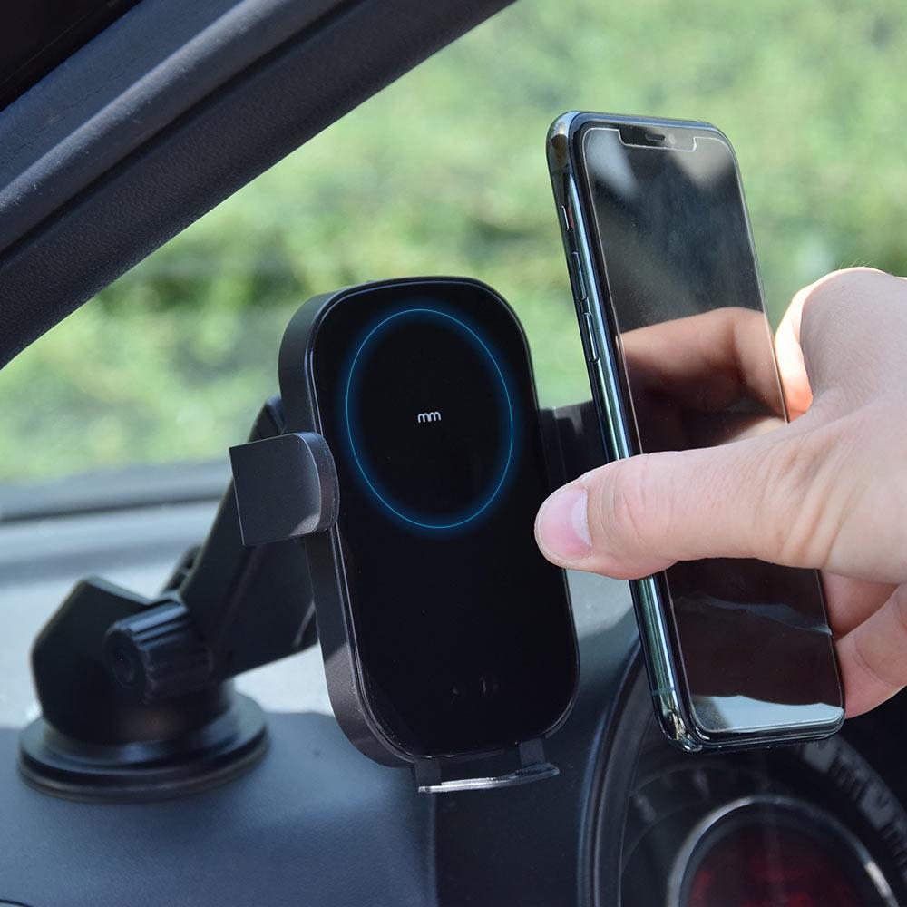 Draadloos mobiel oplaadpunt voor in de auto