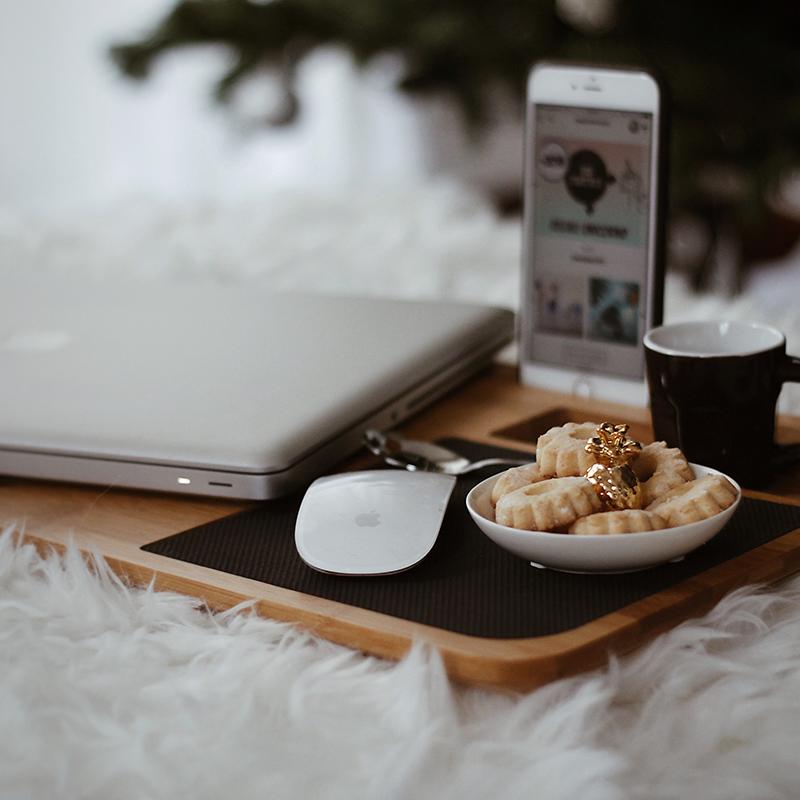 kerstcadeau_laptop_onderzetter_van_hout
