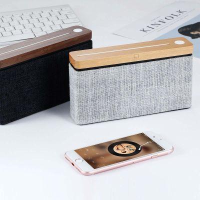 Vierkante houten Bluetooth luidspreker