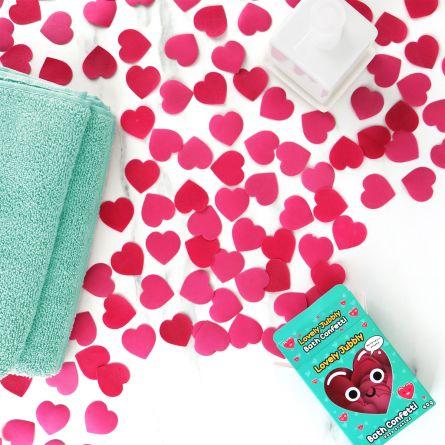 Hartjes confetti voor in bad