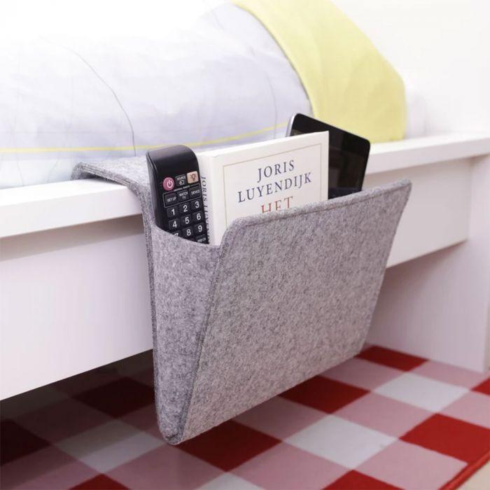 Praktische tasje voor aan het bed