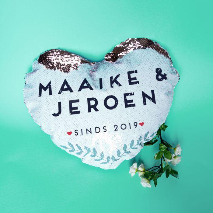 Personaliseerbaar pailletten kussensloop in hartvorm met naam