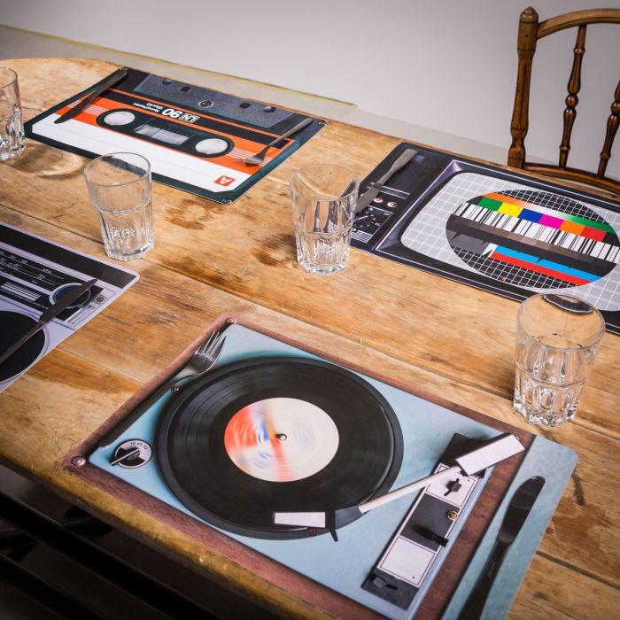 Retro tafelset - 4-delig