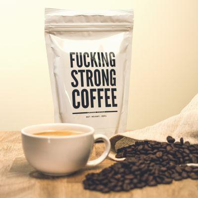 Verjaardagscadeau voor 40 - F*cking Strong Coffee: verrekte sterke koffie