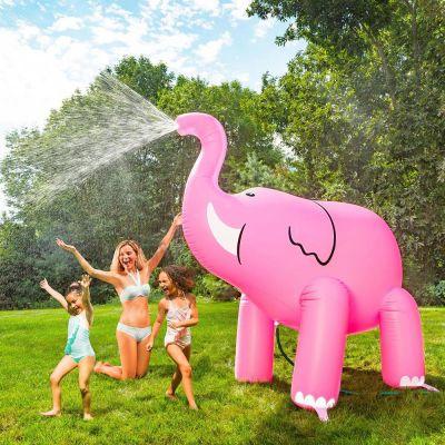 Zomer - Gigantische roze olifant sproeier