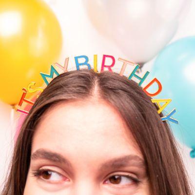Nieuw - Verjaardag Tiara in regenboogkleuren