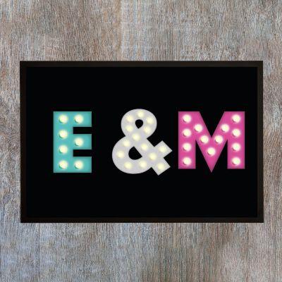 Exclusieve deurmatten - Personaliseerbare deurmat met gekleurde initialen